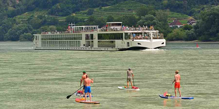 Paddle surf en el rio Danubio, paddle surf tarragona, outlet de paddle surf, paddle surf económico, comprar paddle surf inflables